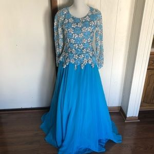 Dresses & Skirts - Blue sequin prom engagement dress size 8/10